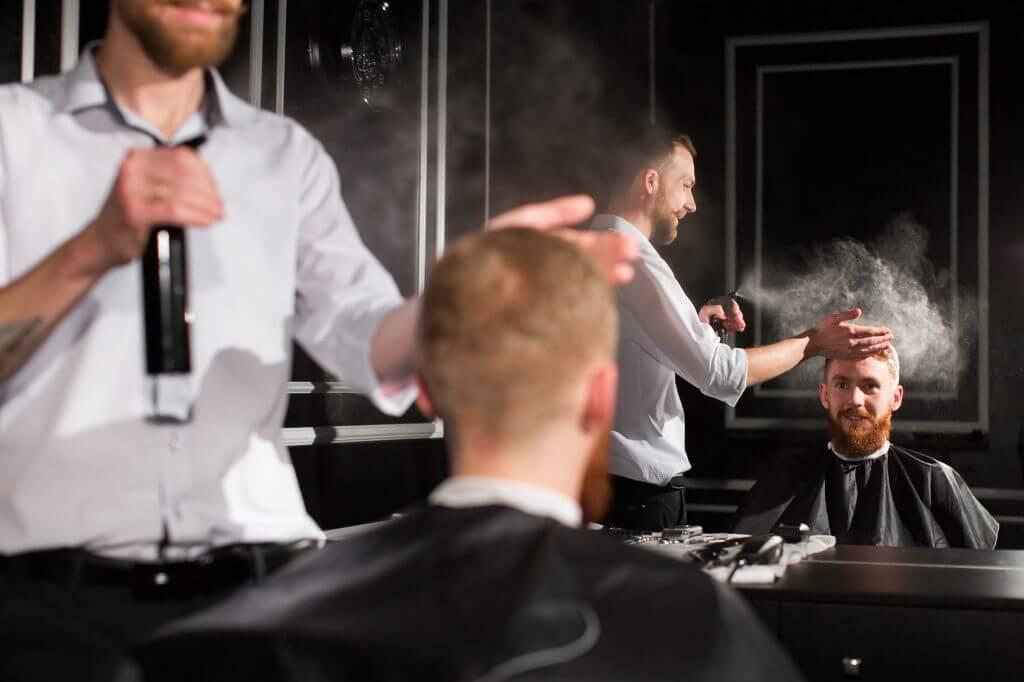 くせ毛の人向けスタイリング剤